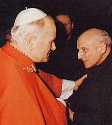 Giovanni Paolo II, il papa bianco, e Pedro Arrupe, il