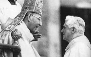 Il card. Ratzinger con Giovanni Paolo I.