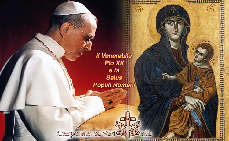 Pio XII in onore di Maria Regina incorona la Salus Populi Romani